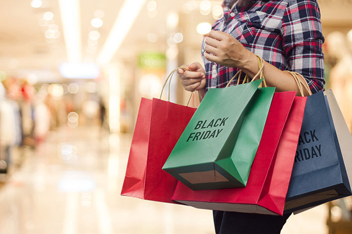black-friday-shopping-bags
